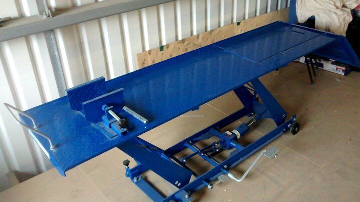 Motorcycle Motorbike Lift Ramp Heavy Duty 1000lb / 450kg Hydraulic / Table Bench New Never Used.