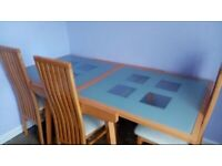 Wooden/glass extendable dining table/chairs