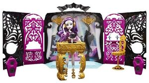 MONSTER HIGH PLAYSET WITH DOLL