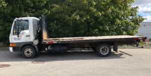 2004 HINO truck with 20' flat bed
