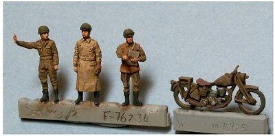 Two BSA/'s and Dispatch Riders SGTS MESS BI18 1//72 Diecast WWII British BI18 QA