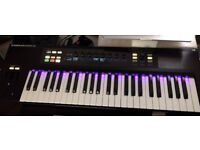 Native Instruments Komplete Kontrol S49 - MINT CONDITION Keyboard