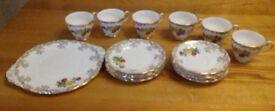 Royal Standard 19 Piece Fine Bone China Tea Set / Roses.
