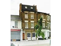 LARGE 2 BED TOP FLOOR FLAT AVAILABLE NOW £340PW IN SW8