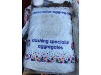 White stone pebbledash 8 bags