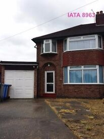 LARGE STUDENT HOUSE ASHBOURNE RD AREA DERBY, FOR GROUPS OF 3,4 OR 5