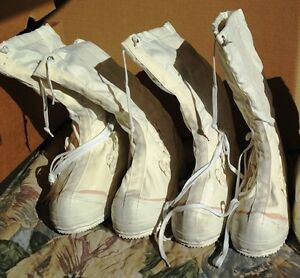 CANADIAN FORCES GENUINE ISSUE WHITE MUKLUKS BRAND NEW IN CRESTON