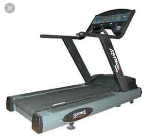 Life Fitness 95Ti commercial treadmill quick sale Kitchener / Waterloo Kitchener Area image 3