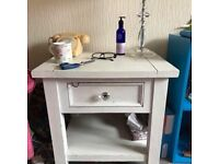 Shabby chic lamp table