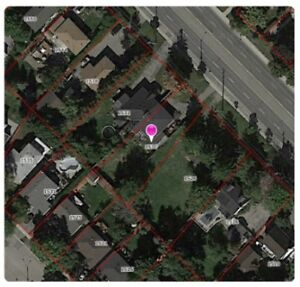1530 Southdown Road in MISSISSAUGA, ON:  Calling all Renovators
