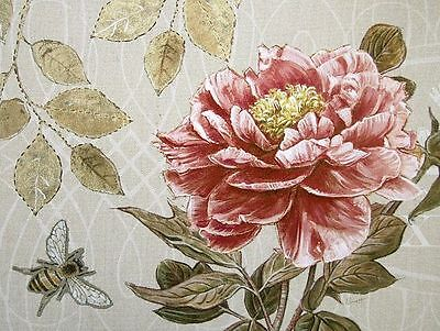 Chad Barrett: Bumble Bee and Peony Fertig-Bild 30x40 Wandbild Stillleben