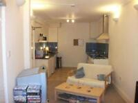 2 bedroom flat in New Bridge Street, Exeter, Devon, EX4