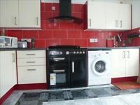 Rooms-to-Let - ALL INCLUSIVE - in a great location with excellent transport links
