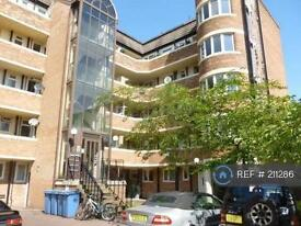 3 bedroom flat in Minster Court, Liverpool, L7 (3 bed)