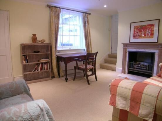 Stunning 1 Bed Flat Will Go On First Viewing - Oval - £315PW