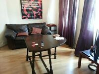 NICE 3 BED FLAT - IN THE HEART OF FARRINGDON - STUDENTS WELCOME!!!