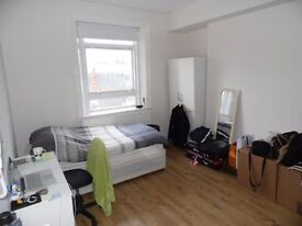 SB Lets are delighted to offer this wonderful large studio flat located in Kings Road Brighton