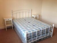 5 Bedroom House on Quarry Place In Woodhouse!! Available: 3rd of July!! Bill Inclusive Available!!