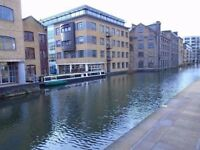 BEAUTIFUL DOUBLE EN-SUITE ROOM - CANAL VIEWS - 5 MINS WALK KINGS CROSS STATION
