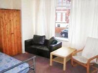 Studio Flat to rent in Manchester M16, at £350 (pcm)