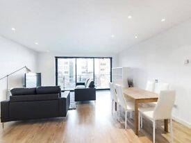Modern, recently refurnished 3 bed, 2 bath flat to rent in the popular Ocean Wharf development.