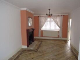 4 Bed House, Large Living room, Kitchen & Dining room, Large Garden, Barking or Upney Station