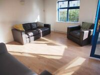 2 DOUBLE BEDROOM APARTMENT WITH PARKING BALCONY PRIVATE DEVELOPMENT LIVERPOOL STREET GREAT VALUE