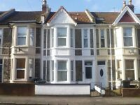 Lovely double bedroom in 3 bed apartment, ALL BILLS INCLUDED!