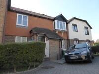 2 bedroom flat in Hawkesworth Drive, Bagshot, Surrey, Surrey, GU19