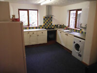 1 DOUBLE ROOM & 1 SINGLE ROOM TO RENT IN SHARED TRURO CITY HOUSE