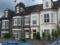 1 bedroom fully furnished flat close to train station