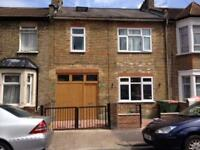 4 bedroom house in Fourth Avenue, London, London, E12