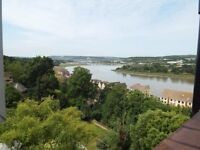 Rochester, 2 bed flat, Stunning river views, 12 min walk to Stn. Full size lounge. Not Esplanade