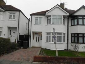 3 bedroom unfurnished house in Fairfield avenue, HA8 £1835pcm
