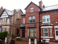 2 bedroom flat in Grosvenor Road, Manchester, M16
