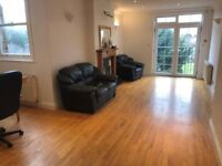 A beautiful 3 bed flat situated on the first floor to offer. (Ref: 12164FP)