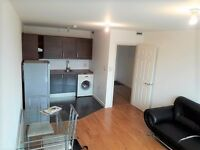Short Let 1 Bed Flat Including All Bills £375 Per Week Great Location !!!