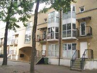Rotherhithe SE 16 - Large 4 bedroom house in riverside development