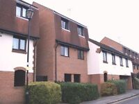 2 Bedroom Split-level Flat - Close to Town