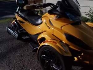 Spyder st 2013 a vendre