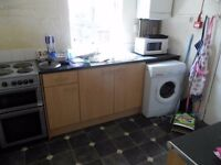 Recently refurbished 5 bedroom - Furness Road - IDEAL LOCATION - STUDENTS/PROFESSIONAL AV 1ST JULY