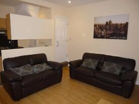 4 Bedroom House on Harold Road in Hyde Park!! £75 PWPP!! Available: 18th August!!