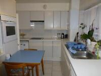 3 bedroom flat in Stonegrove Gardens, Edgware, Middlesex, HA8