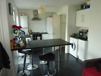 HATFIELD AL10 DOUBLE ROOM. Available TODAY. CLOSE TO SHOPS & UNIVERSITY. PERFECT FOR STUDENTS