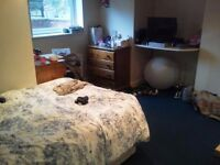 Furnished Double Bedroom with WIFI and all bills included - Burley/Kirkstall