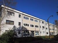 2nd Floor Studio Flat to Let within Priesthill - Linnhead Drive