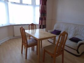 NICE SPACIOUS 1 DOUBLE BED FLAT - VICTORIAN BUILDING - GOOD TRANSPORT LINKS!!