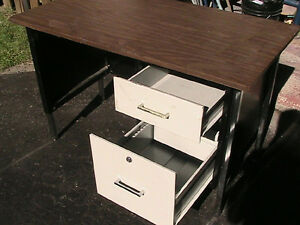 Table, wood, bench  Steel legs, with  two drawer West Island Greater Montréal image 2