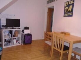 SPACIOUS 3 DOUBLE BED MAISONETTE FOR RENT - EXCELLENT TRANSPORT LINKS.