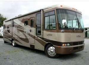 Beautiful 2005 Monaco LaPalma Motorhome